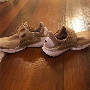 Women's Nike Sock Dart Size 7